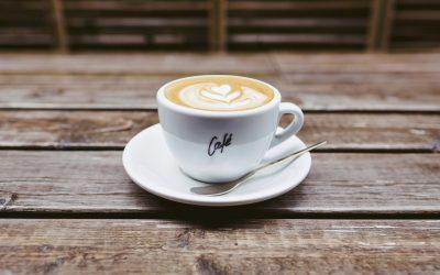 Kávé: Minden, amit tudni kell (egészséges-e, hatása, története)