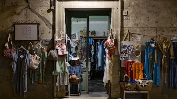 ruházati bolt
